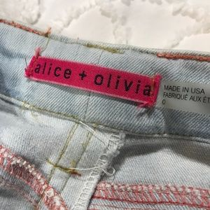 Alice + Olivia Jeans - Adorable Alice + Olivia Embroidered Floral Jeans 0